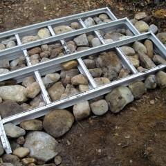 Portaan lokerot tässä täytetty kivillä, kuva ylhäältä.